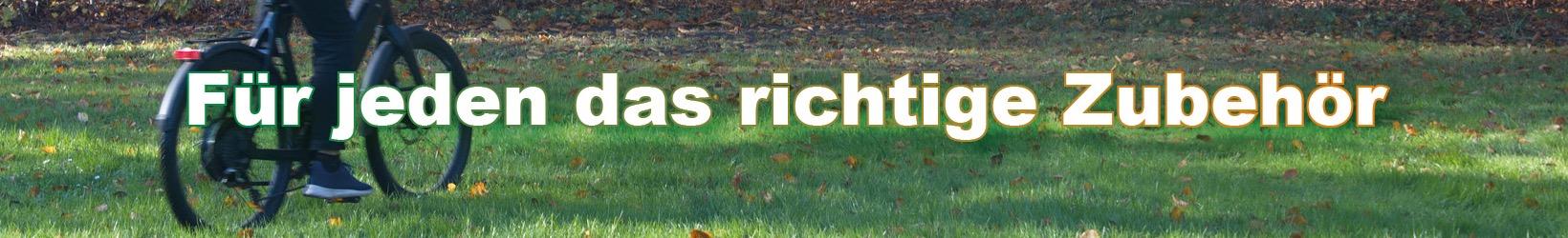 Für jeden das richtige Zubehör - Foto und Grafik: Katharina Für jeden das richtige Zubehör bei Zweirad-Heins - Foto und Grafik: Katharina Hansen-GluschitzHansen-Gluschitz
